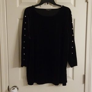 1x cable & gauge velour blk top with pearl sleeve